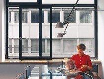 Praca w komfortowych warunkach – wygodne okna w biurach